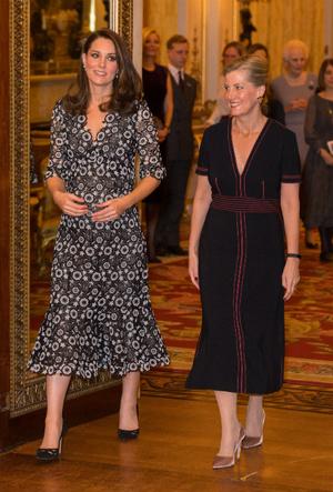 Фото №8 - Королевский отряд: герцогиня Кейт и ее три самых близких подруги в БКС