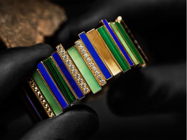Фото №1 - Сияние кристаллов: как выглядит новая ювелирная коллекция Gem Dior