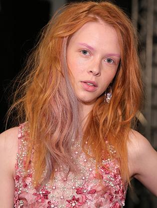 Фото №3 - Смелый тренд: разноцветные брови
