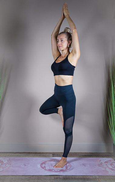 Фото №2 - Как превратить мамину йогу в увлекательное приключение для ребенка