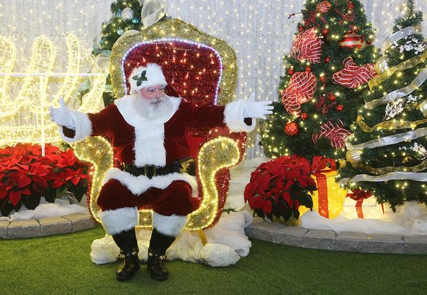 Фото №1 - Британка пожаловалась на травлю в интернете за то, что назвала гендерно-нейтрального Санту Дедом Морозом