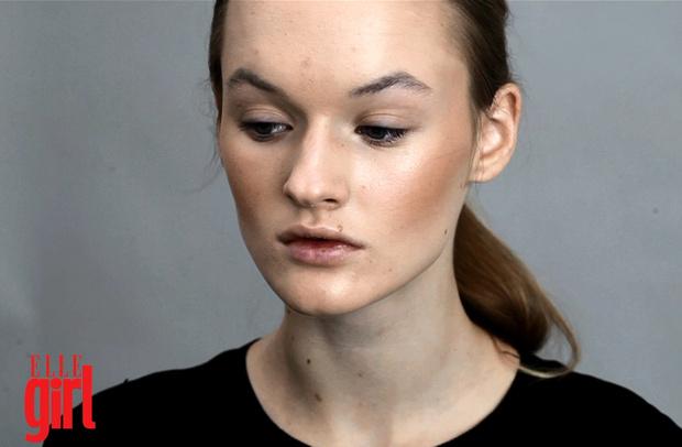 Фото №1 - Beauty-уроки Elle Girl: Как правильно наносить румяна