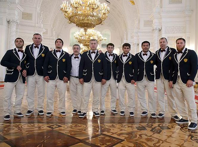 Фото №1 - От Лубутена до H&M: самая обсуждаемая форма олимпийцев-2016