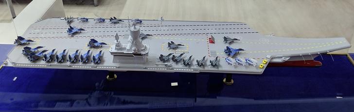 Фото №4 - «Ламантенок» ищет маму: разбираем по частям главный российский авианосец «Ламантин»