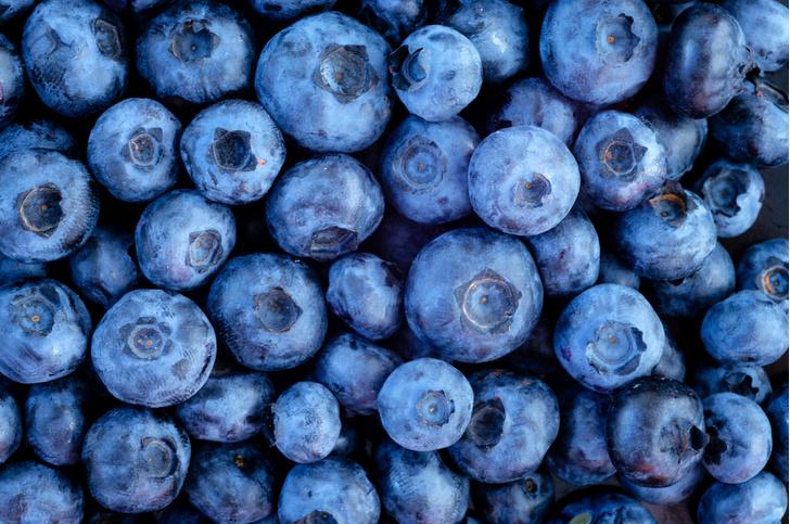 Фото №1 - Названы фрукты и ягоды, помогающие терять вес