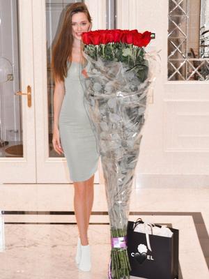 Фото №5 - Как одно и то же платье выглядит на Ольге Бузовой и Анастасии Костенко