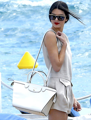 Фото №2 - Как у звезды: сумка Longchamp Le Pliage Heritage