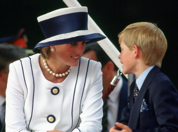 Фото №2 - Запрещенный прием: действительно ли принц Гарри пытается заработать на смерти Дианы