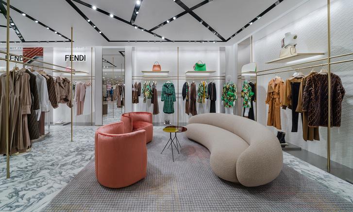 Фото №7 - Новый бутик Fendi в ЦУМе
