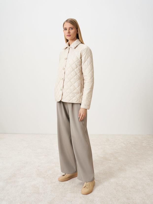 Фото №5 - У каких российских брендов искать классную стеганую куртку, как у Айрис Лоу