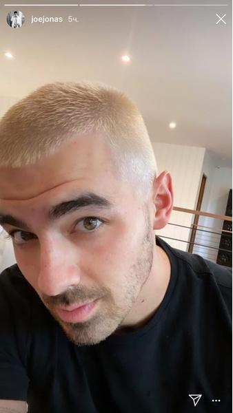 Фото №1 - Ты должна это видеть: Джо Джонас теперь блондин