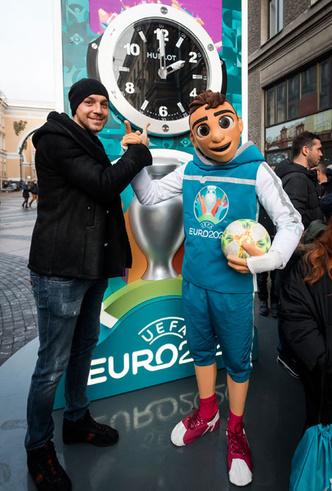 Фото №3 - Дни, часы, минуты: бренд Hublot начал отсчет до Евро-2020
