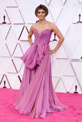 Фото №10 - «Оскар-2021»: лучшие образы церемонии награждения
