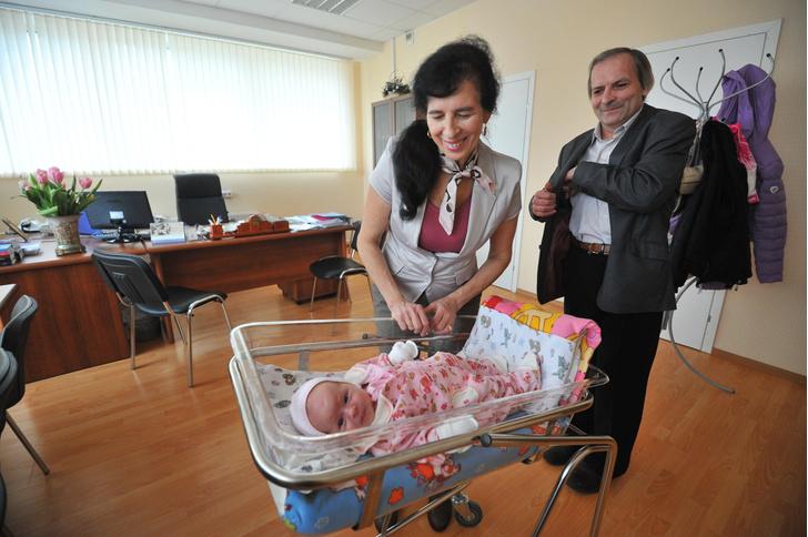 Фото №2 - Муж в больнице с ковидом, наследство не досталось: как сейчас живет москвичка, родившая в 60 лет