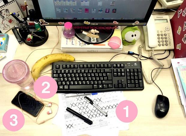 Фото №6 - Кукла вуду, наушники и еда: что на рабочих столах у редакции Elle Girl
