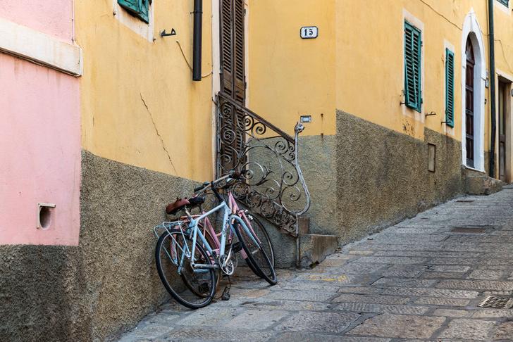 Фото №1 - Власти Италии решили платить за езду на велосипеде