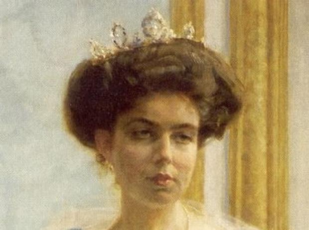 Фото №27 - От бижутерии до бриллиантов: тиары шведской королевской семьи