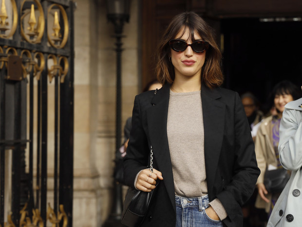 Фото №2 - Настоящий французский стиль: 5 вещей, которые есть у каждой парижанки