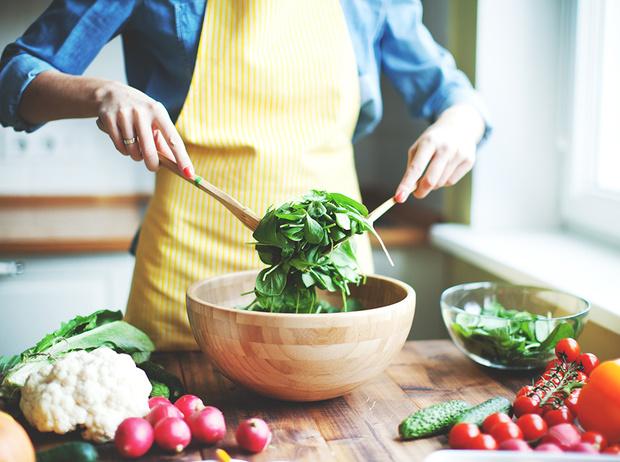 Фото №1 - 10 мифов о еде: о чем вам врут диетологи