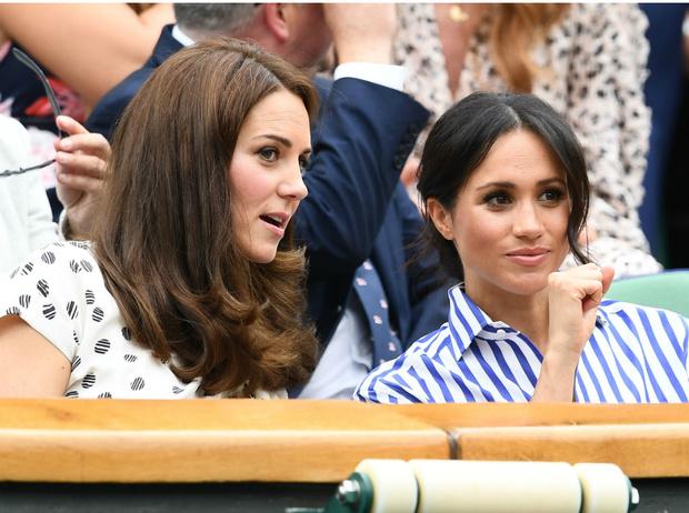 Фото №1 - Невеста с привилегиями: почему Меган всегда позволялось больше, чем Кейт