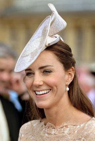 Фото №5 - К свадьбе Меган Маркл: британский ювелирный дизайнер выпустила коллекцию корон