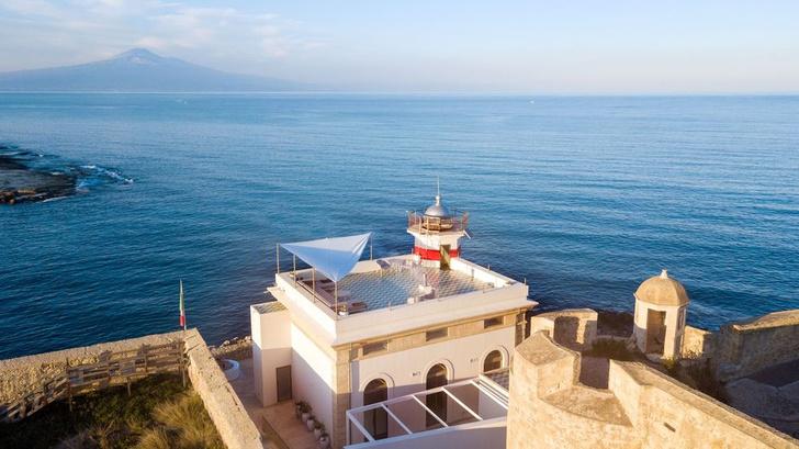 Фото №1 - Гостевой дом в старом маяке на Сицилии