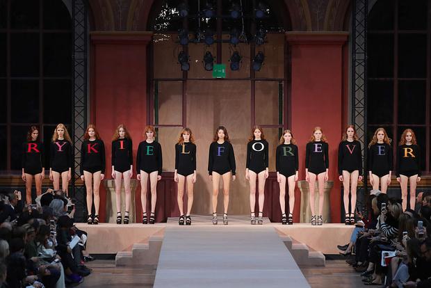 Фото №1 - Логомания и швы наружу: как Соня Рикель изменила мир моды