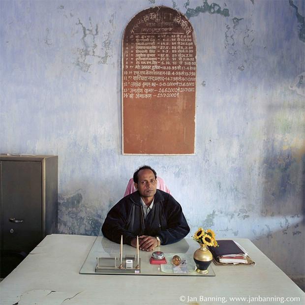 Фото №5 - Проходите, садитесь: кабинеты чиновников и служащих в разных странах