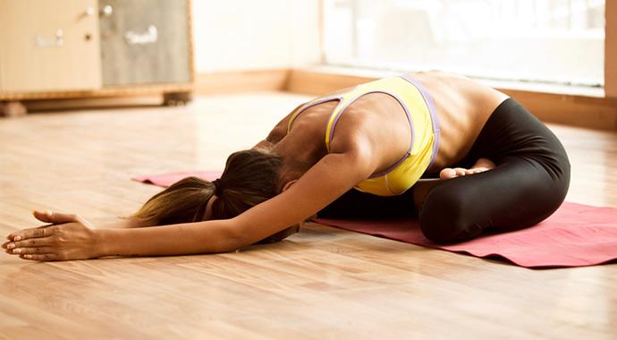 Йога против бессонницы: 10 асан перед сном