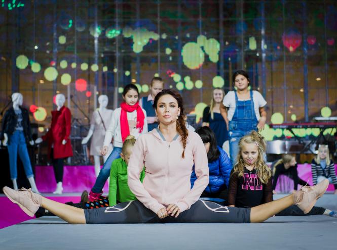 Фото №4 - 7 часов модного показа и беспрерывного танца на открытии шопинг-зоны в «Ривьере»