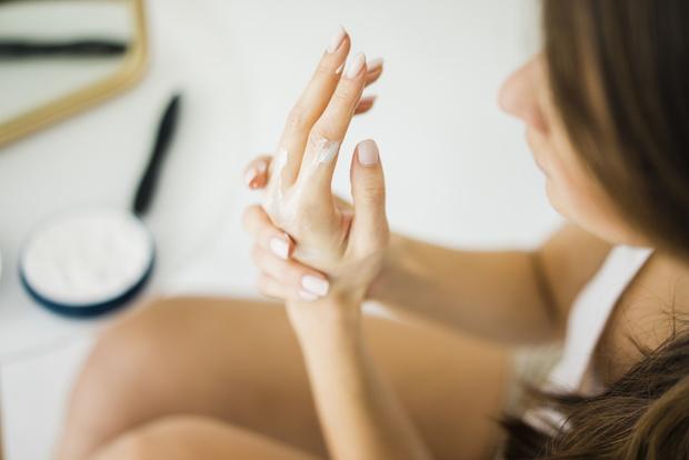 Фото №1 - Дамские пальчики: идеальные процедуры по уходу за руками дома и в салоне