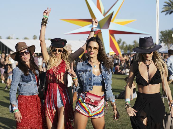Фото №1 - Coachella-2018: Синди Кроуфорд, Майли Сайрус, Алессандра Амбросио и другие звезды на фестивале
