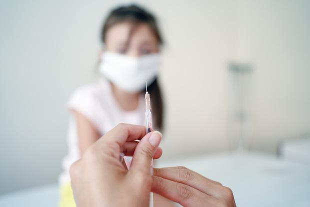 Фото №1 - Чем детская вакцина от коронавируса будет отличаться от взрослой