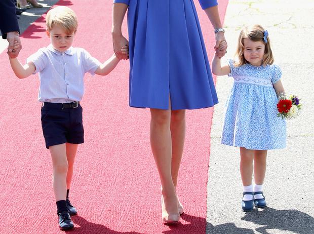 Фото №1 - Воспитание королей: что можно и что нельзя Джорджу, Шарлотте и Луи Кембриджским