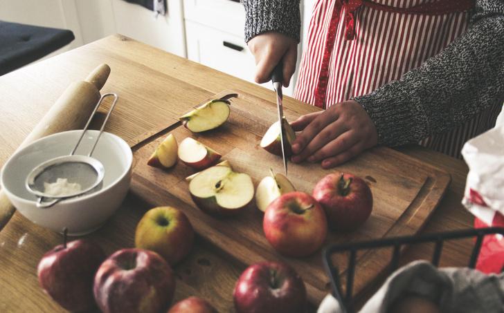 Фото №2 - Классный рецепт пирога из яблок, который можно приготовить прямо сейчас