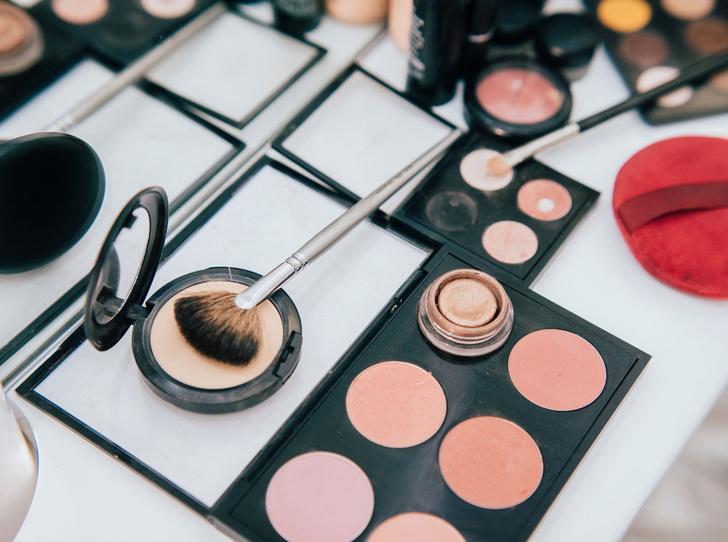Фото №3 - Секреты макияжа: как выглядеть моложе