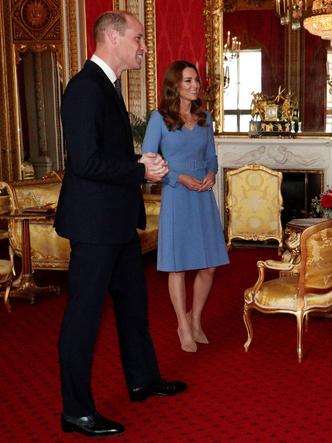 Фото №2 - Герцогиня против Первой леди: модная битва Кейт и Елены Зеленской в Букингемском дворце