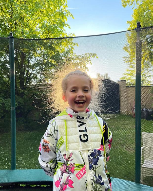Фото №2 - 7-летнюю дочь Пугачевой расхвалили за куртку из масс-маркета