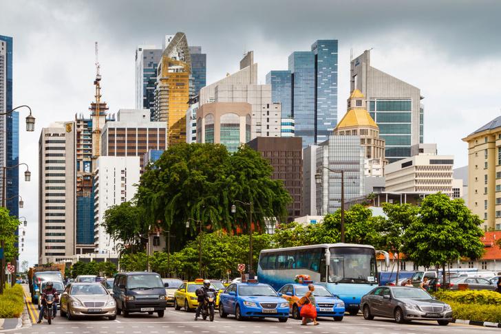 Фото №1 - Не средство передвижения, но роскошь: 5 стран, где владеть автомобилем невероятно дорого