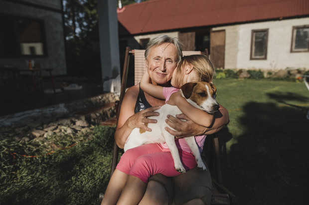 Фото №2 - «Дочь уехала на заработки, и внучка начала называть мамой меня»