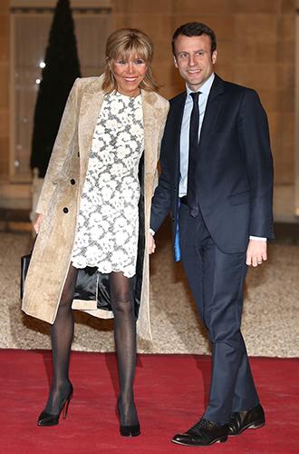 Фото №5 - Как Брижит Макрон сняла табу на мини-юбки и стала новой иконой стиля Франции