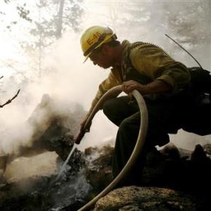 Фото №1 - Пожары в Калифорнии сходят на нет