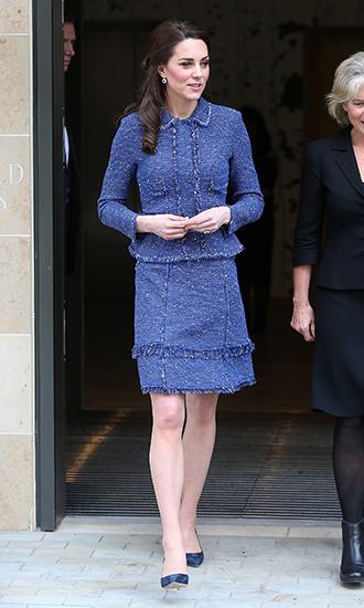Фото №8 - 5 причин, почему Кейт Миддлтон не ругают за мини-юбки