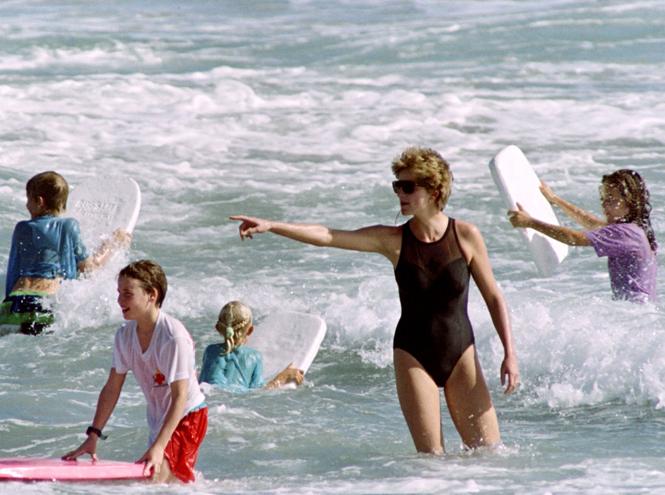 Фото №30 - Принцесса пляжа: бикини-стиль Дианы