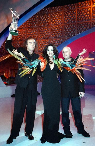 Фото №8 - 10 нелепых нарядов участников «Евровидения»