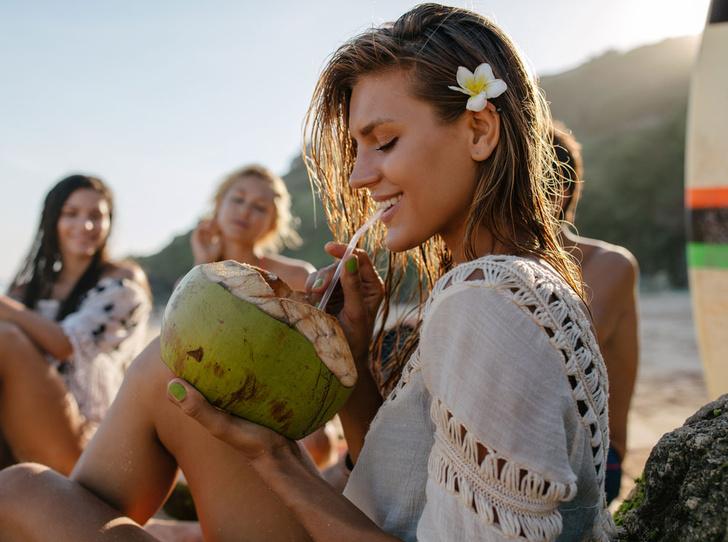 Фото №1 - Польза и вред кокосовой воды