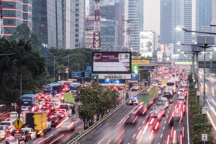 Фото №4 - Не средство передвижения, но роскошь: 5 стран, где владеть автомобилем невероятно дорого
