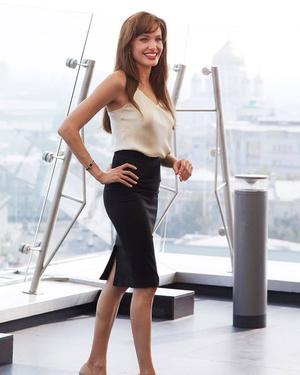 Фото №5 - 5 образов Анджелины Джоли, которые всегда будут в моде