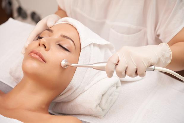 Фото №2 - Как сочетать бьюти-процедуры: экономим время на походы к косметологу