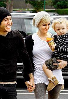 Эшли Симпсон с семьей В Лос-Анджелесе